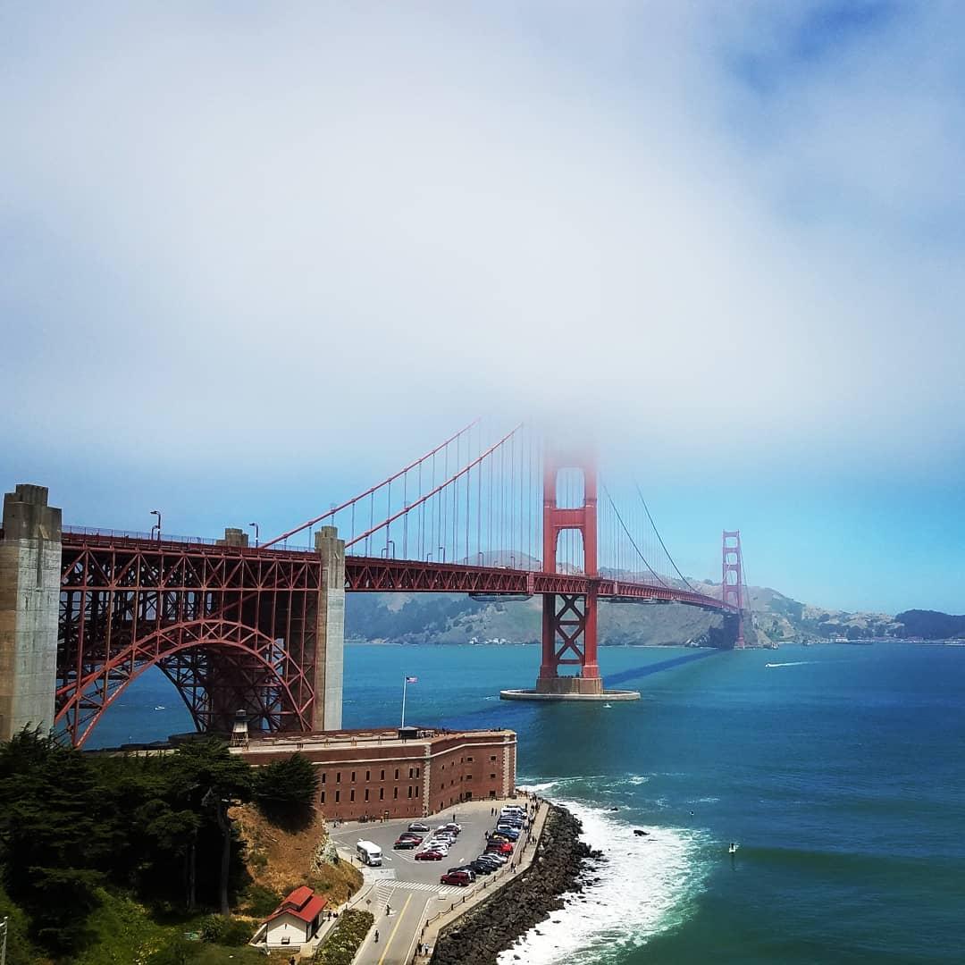 silikon vadisi ünlü golden gate köprüsü