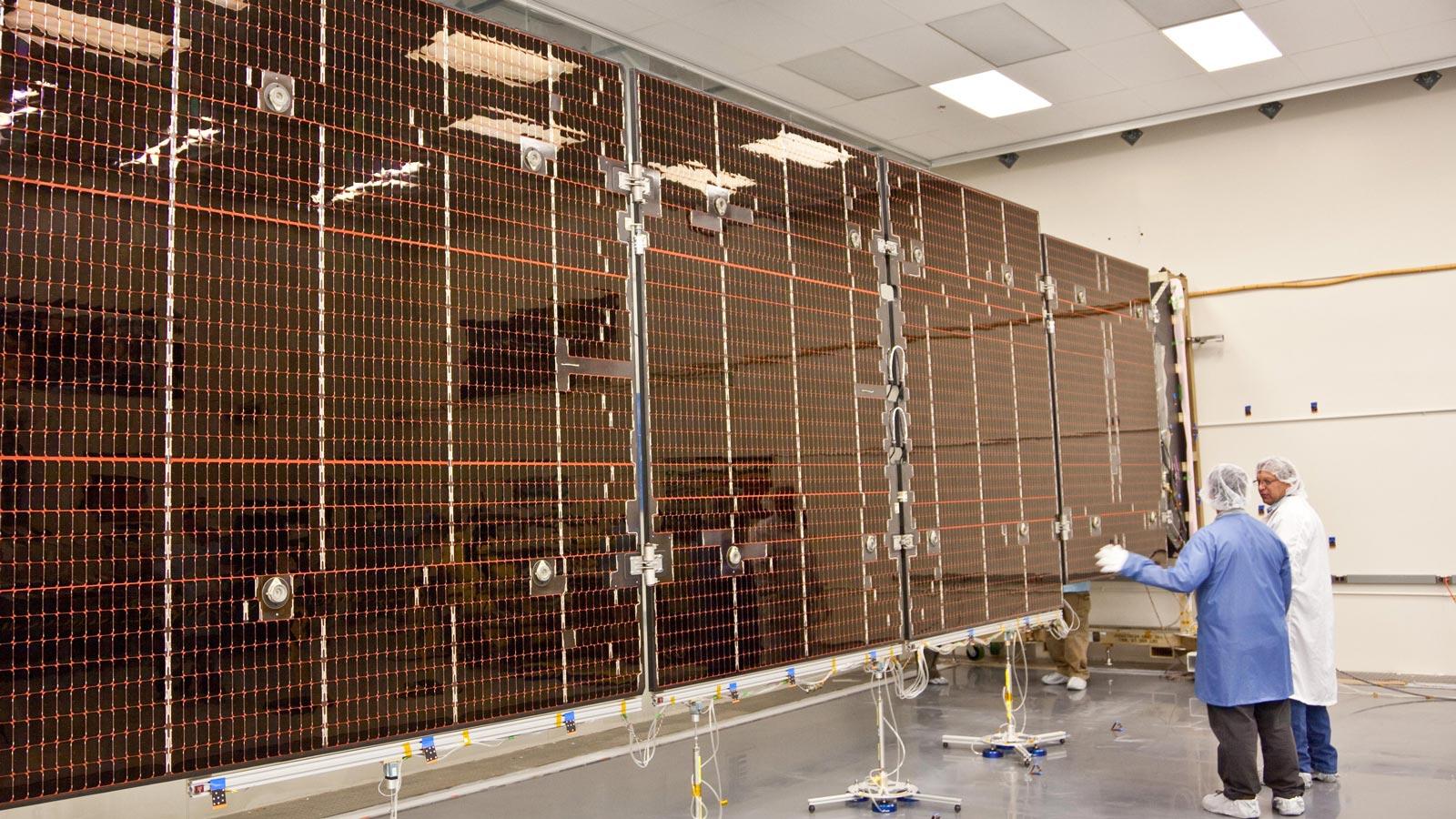 güneş panellerinin yapımı uzay teknolojisi