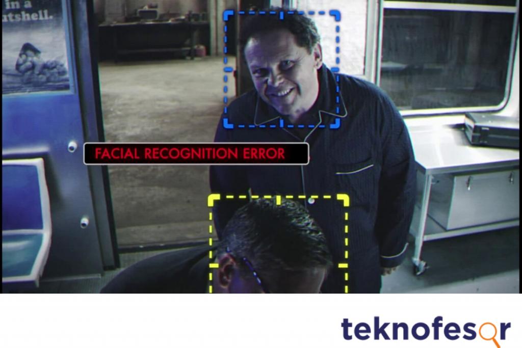 fotoğraflarım hacker tarafından görüntüleniyor. Person of Interest dizisi genellikle kamera erişimi açıklarıyla ilerlemişti.