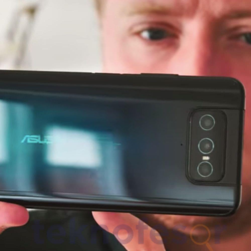 ilk açılır kameralı telefon serisi çıktı
